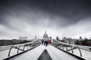 Bridge to St Pauls by kharashov