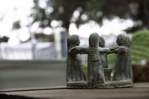 tiny statues by GTSBOY