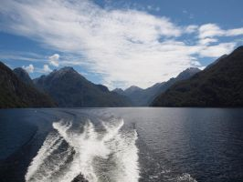 lake manapouri by lauren-anna17