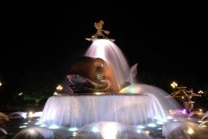 Foutain - HongKong DisneyWorld by superhideki