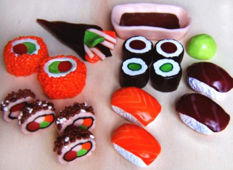 Fimo Sushi by QueEnOfNights