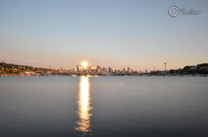 Sunlset Reflected At Gas Works Park Viewpoint by SilentMobster42