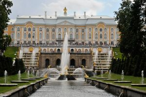 Peter's Palace and Fountain, Peterhof by wildplaces
