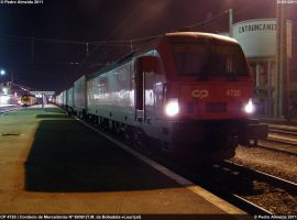 Night Container Train 310111 by Comboio-Bolt