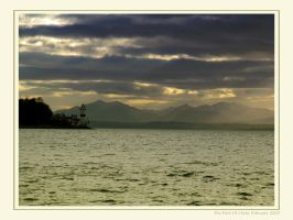 Gourock Lighthouse by paddimir