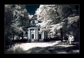Pillnitz in Dresden in IR by Torsten-Hufsky