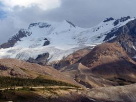 Mountains by Loulou13