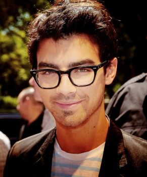 Joe Jonas by ddlovesJoseph