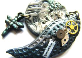 steampunk dragonfly wing pendant by dragonflyme