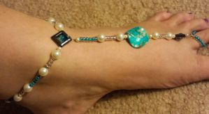 Anklet With Attached Toe Ring by Leiagore