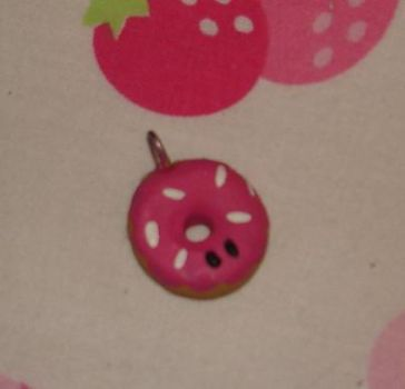 Donut clay charm by Kittyportugal
