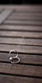Two Rings, Blurry End by mitoloji