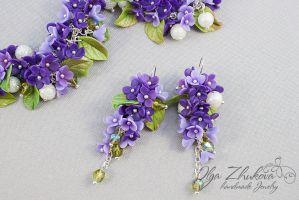 Jewelry set with lilac flowers from polymer clay by polyflowers