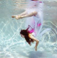 The underwater girl who had no bones by gokate1