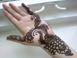 Henna.21 by BeautifulLoneliness
