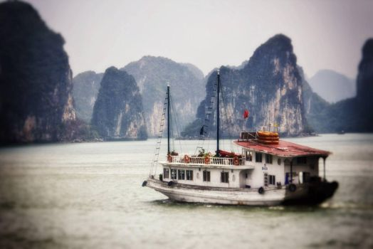 Ha Long Cruise by smoothpappa