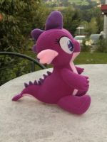 Spike's little cousin Glenna by Caleighs-World