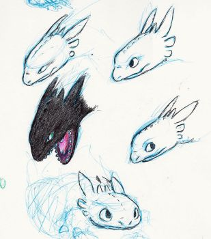 Toothless faces 3 by little-ampharos