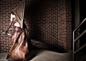 Pyramid Head Con Shoot 5 by kyphoscoliosis