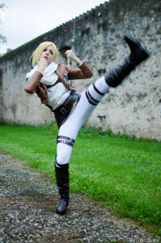FIGHT! ~ Annie Leonhart by LauMao