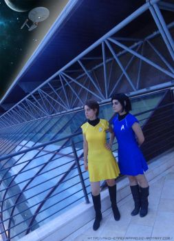 Genderbent Kirk and Spock cosplay by Nko-ennekappao
