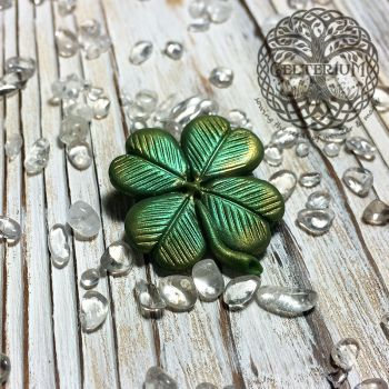 ''Gleamy Clover'' polymer clay brooch by CelteriuM