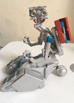 My handmade Johnny Five toy from Short circuit  by Jayluke2006