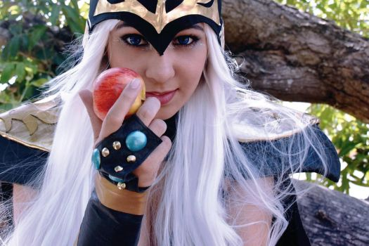 Cosplay Ashe (League of Legends) by LazuliCosplay