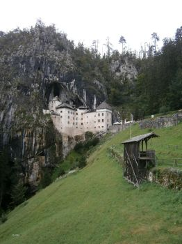 Predjama Castle by animatorV